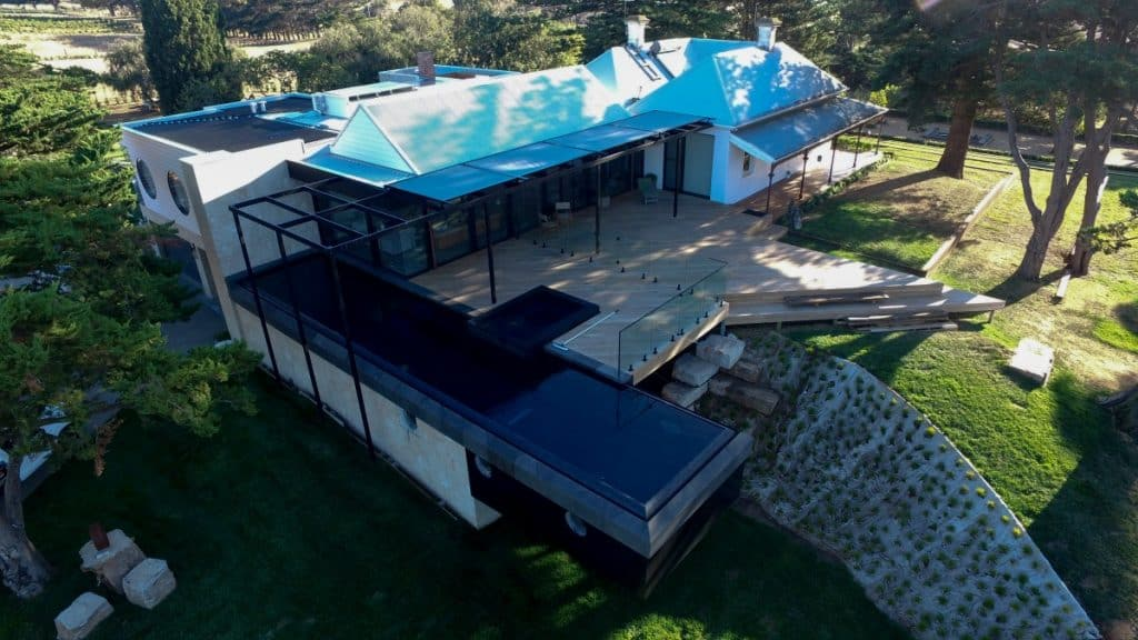 4 Markilux motorised roof blinds over pergola on Melbourne's Mornington Peninsula